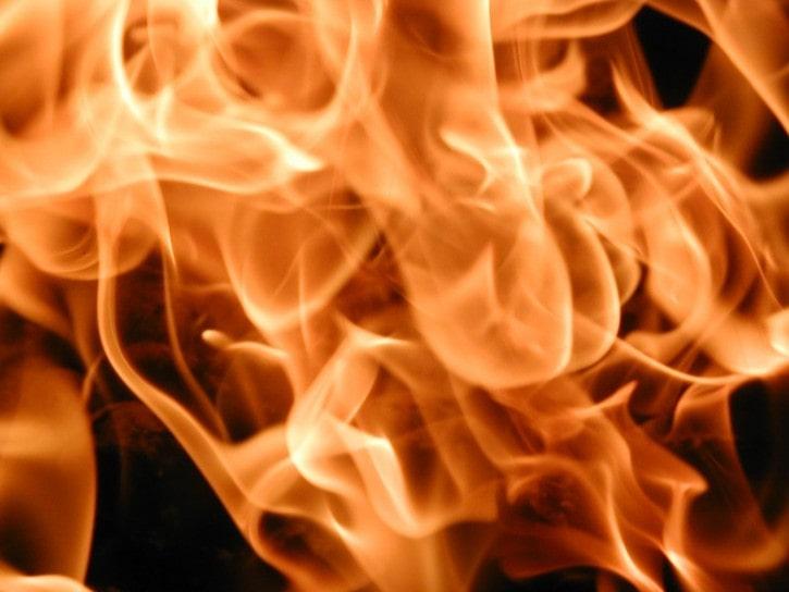 fire-close-up-texture_w725_h544